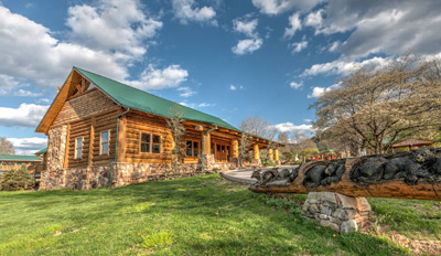 Lodge-Building